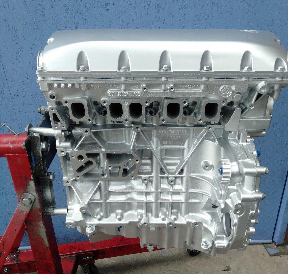 Фольксваген транспортер двигатель axd ролик транспортера ленточного
